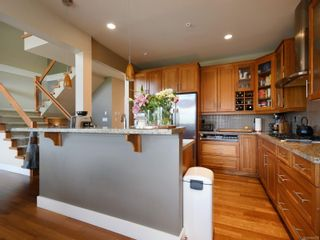 Photo 7: 112 1244 Muirfield Pl in : La Bear Mountain Row/Townhouse for sale (Langford)  : MLS®# 854771