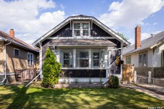 Photo 2: 1128 B Avenue North in Saskatoon: Caswell Hill Residential for sale : MLS®# SK863262