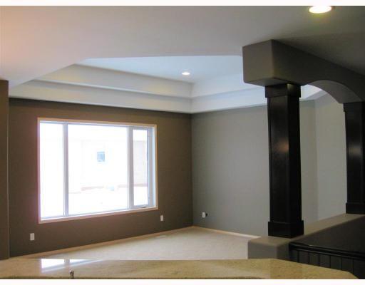 Photo 6: Photos: 39 FOXRUN Place in WINNIPEG: West Kildonan / Garden City Residential for sale (North West Winnipeg)  : MLS®# 2903054
