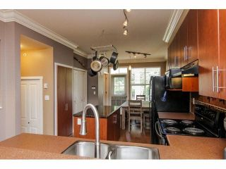 """Photo 8: 52 20460 66TH Avenue in Langley: Willoughby Heights Townhouse for sale in """"WILLOWS EDGE"""" : MLS®# F1418966"""