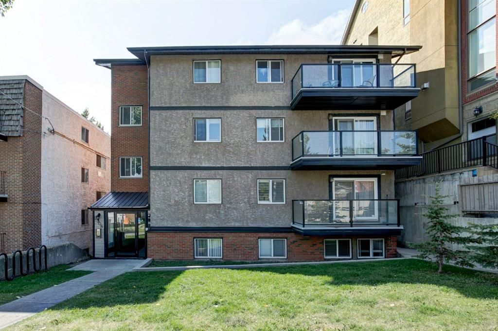 Main Photo: 402 2308 17B Street SW in Calgary: Bankview Apartment for sale : MLS®# A1144365