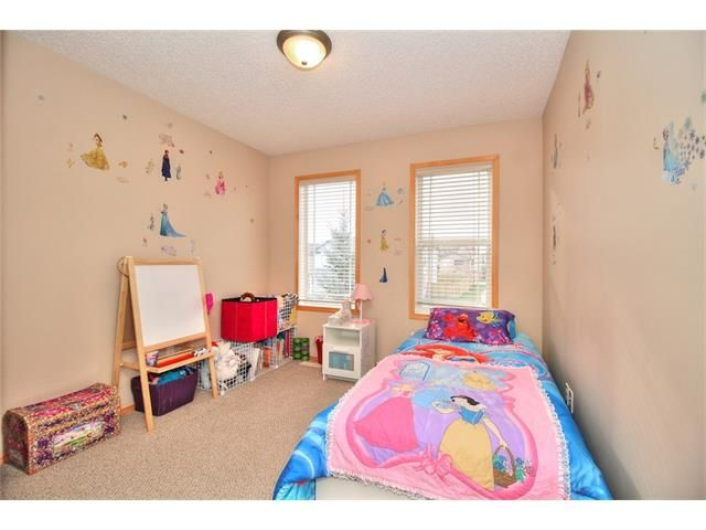 Photo 17: Photos: 304 EVERSYDE Circle SW in Calgary: Evergreen House for sale : MLS®# C4035934