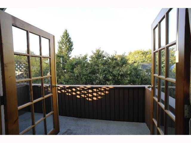 Photo 8: Photos: 875 - 879 W 23RD AV in : Cambie House for sale : MLS®# V791592