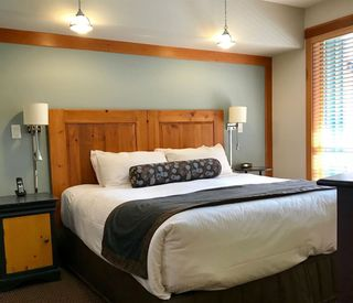 "Photo 9: 215C 2036 LONDON Lane in Whistler: Whistler Creek Condo for sale in ""LEGENDS"" : MLS®# R2312191"