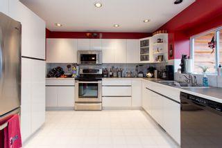 "Photo 3: 2139 PARKWAY Road in Squamish: Garibaldi Estates House for sale in ""Garibaldi Estates"" : MLS®# R2119472"
