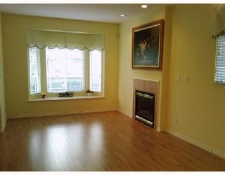 Photo 2: 7780 BENNETT Road in Richmond: Brighouse South 1/2 Duplex for sale : MLS®# V692946