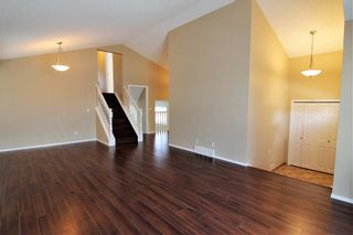 Photo 12: 2863 Catalina Boulevard NE in Calgary: Monterey Park Detached for sale : MLS®# A1075409