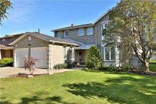 Photo 1: 800 Clements Drive in Milton: Timberlea House (2-Storey) for sale : MLS®# W3332307