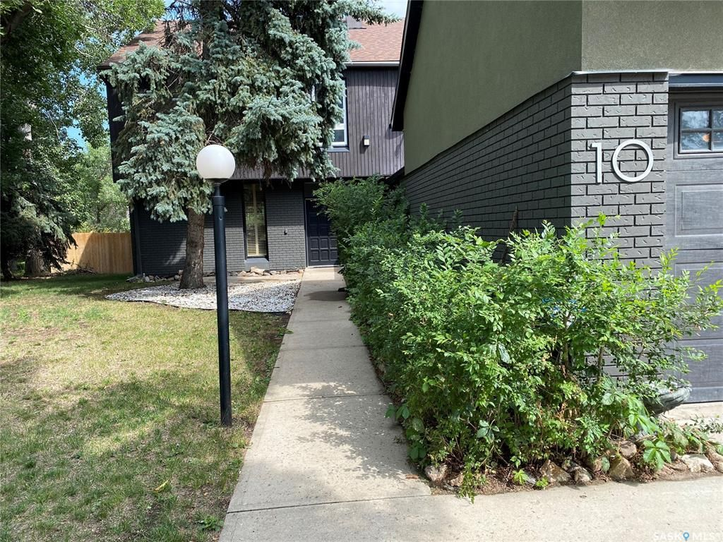 Main Photo: 10 McNiven Place in Regina: Hillsdale Residential for sale : MLS®# SK867900