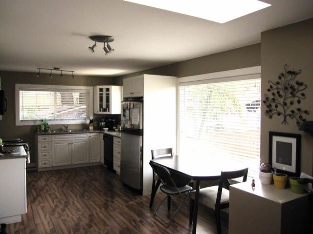 """Photo 7: Photos: 11790 97TH Avenue in Surrey: Royal Heights House for sale in """"ROYAL HEIGHTS"""" (North Surrey)  : MLS®# F1414651"""