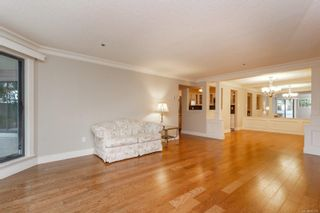 Photo 5: 111 1560 Hillside Ave in : Vi Oaklands Condo for sale (Victoria)  : MLS®# 851555