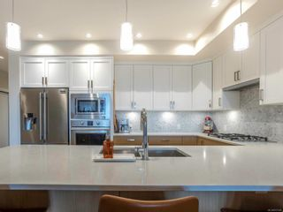 Photo 7: 202 9710 Fourth St in : Si Sidney South-East Condo for sale (Sidney)  : MLS®# 872980