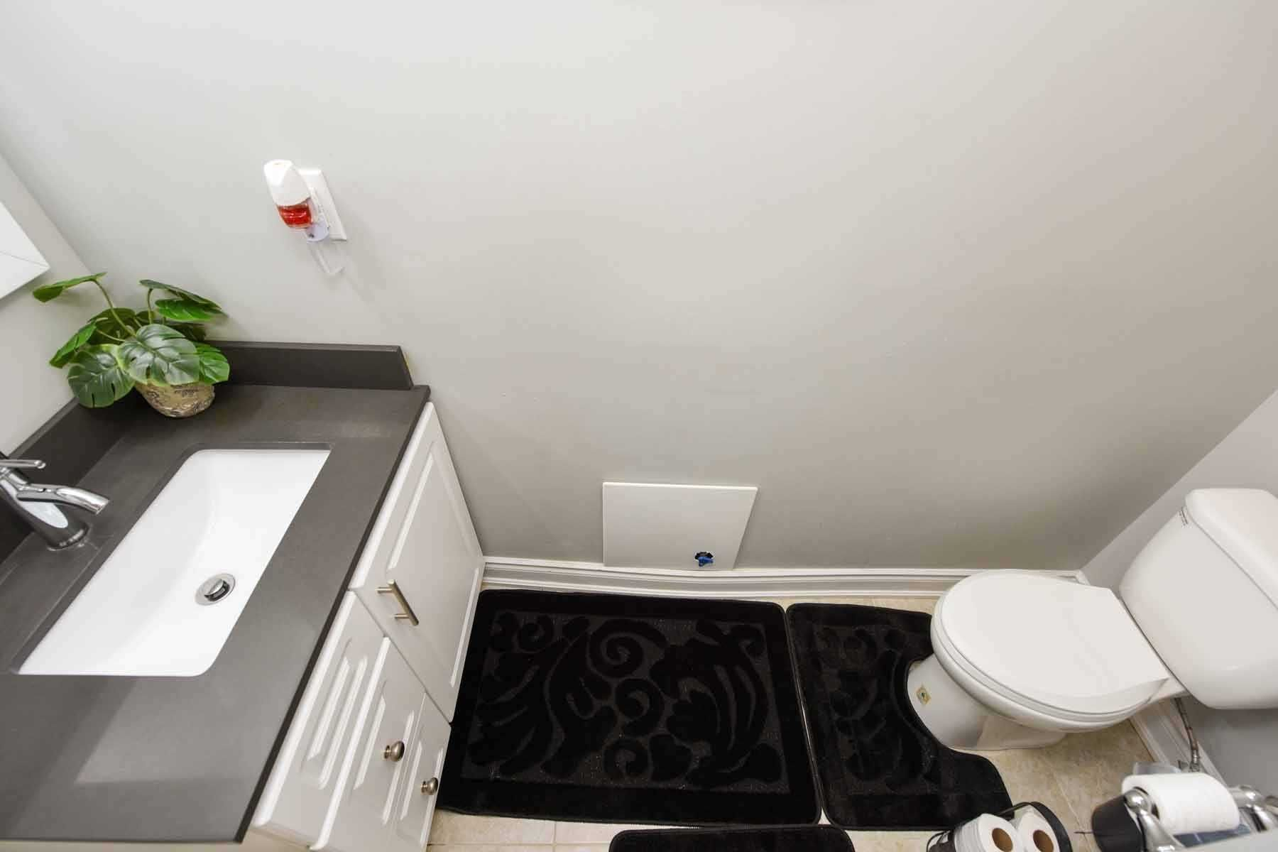 Photo 8: Photos: 20 Hallen Road in Brampton: Fletcher's West House (Apartment) for lease : MLS®# W5074220