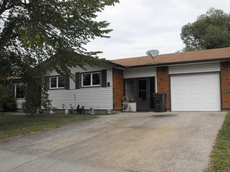 FEATURED LISTING: 5106 56A Avenue Elk Point