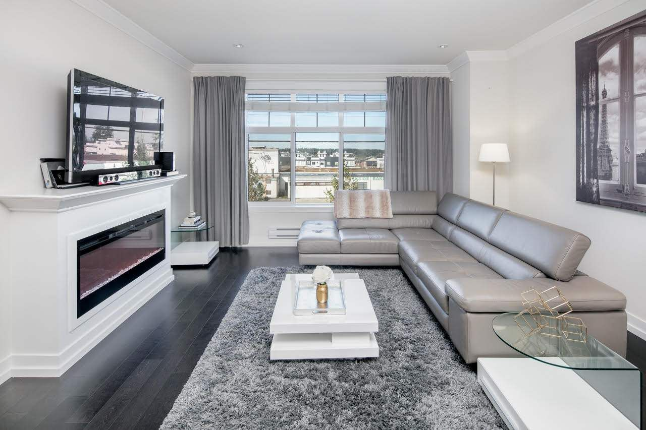 Trendy, Chic and Modern looking townhome complex. ESSENCE at the HAMPTONS. Enjoy the 'BEACH HOUSE' Club amenities with outdoor basketball court, Club house, Fitness Room, Yoga studio, media room & Legendary lounge.