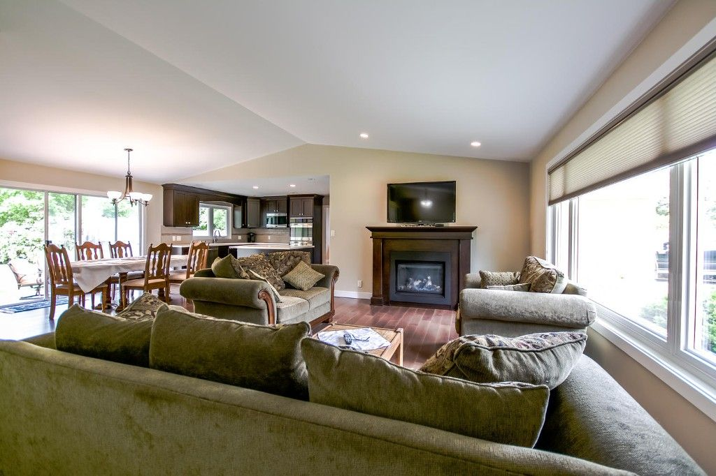 Photo 11: Photos: 4369 200a Street in Langley: Brookswood House for sale : MLS®# R2068522