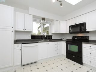 Photo 12: 2092 Airedale Pl in SIDNEY: Si Sidney North-West House for sale (Sidney)  : MLS®# 814296