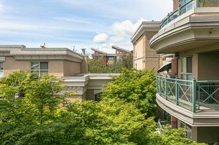 """Photo 15: 322 332 LONSDALE Avenue in North Vancouver: Lower Lonsdale Condo for sale in """"CALYPSO"""" : MLS®# R2275459"""