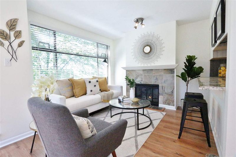 FEATURED LISTING: 304 - 1702 CHESTERFIELD Avenue North Vancouver