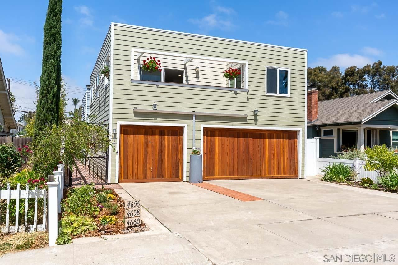 Main Photo: UNIVERSITY HEIGHTS Townhouse for sale : 3 bedrooms : 4656 Alabama St in San Diego