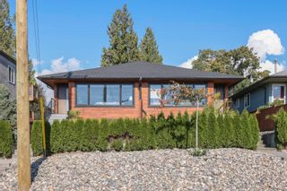 Main Photo: 382 E 4TH Street in North Vancouver: Lower Lonsdale 1/2 Duplex for sale : MLS®# R2625287