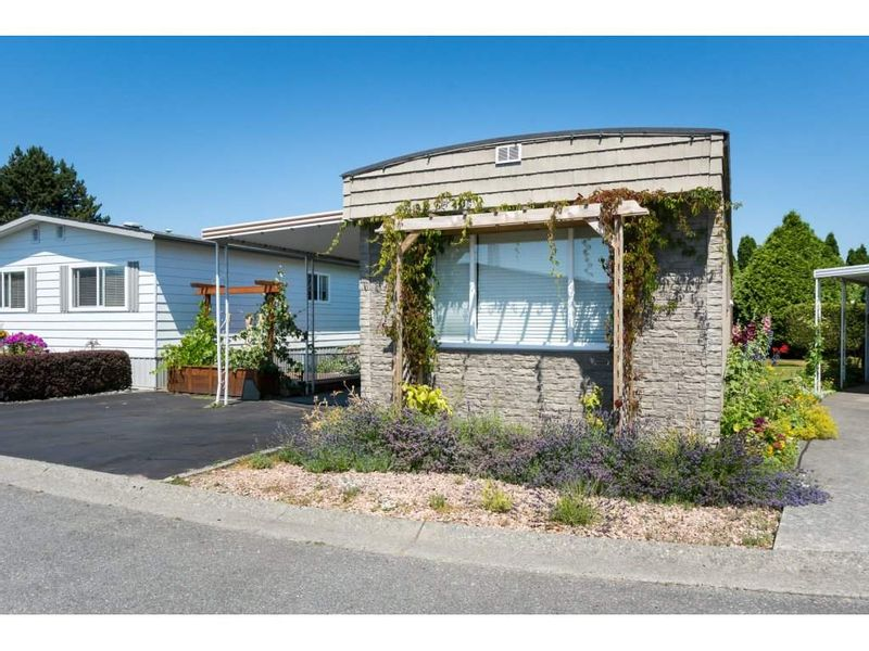 FEATURED LISTING: 3 - 2120 KING GEORGE Boulevard Surrey