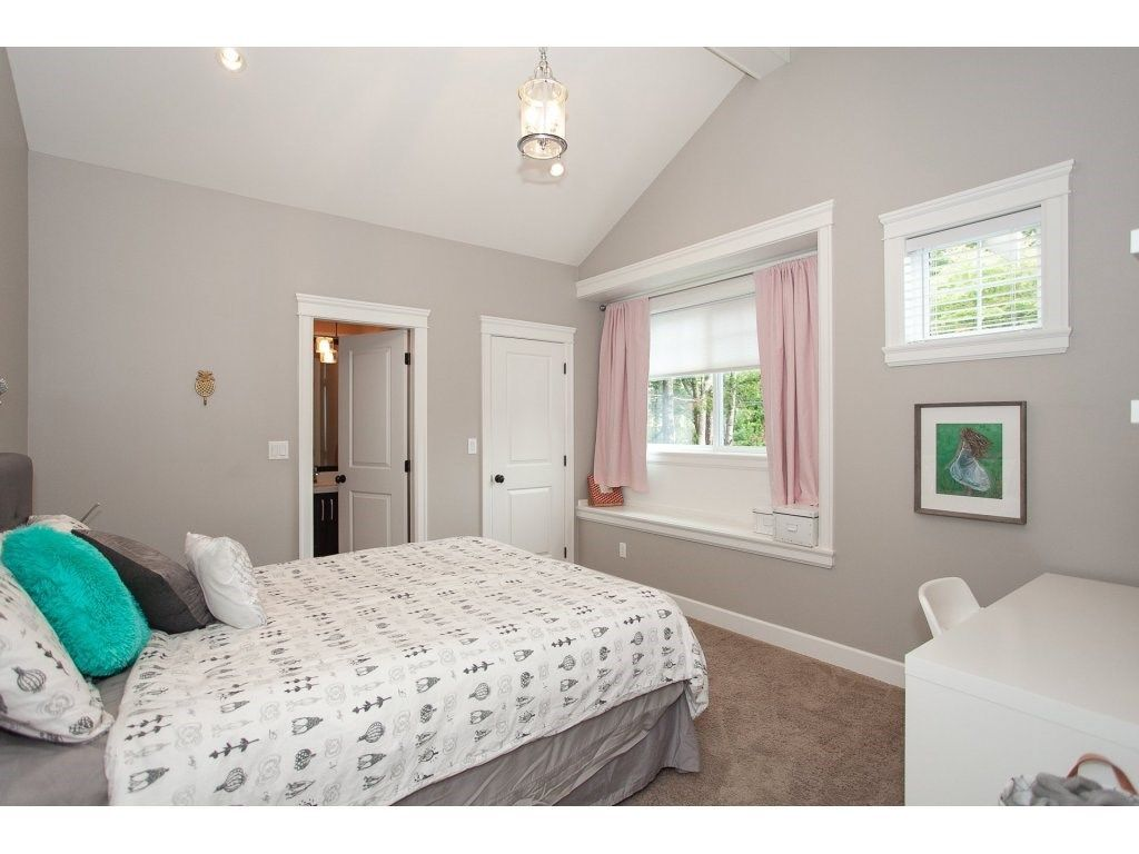 Photo 14: Photos: 1413 130 Street in Surrey: Crescent Bch Ocean Pk. House for sale (South Surrey White Rock)  : MLS®# R2311122