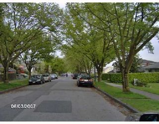 Photo 2: 2926 E 8TH Avenue in Vancouver: Renfrew VE House for sale (Vancouver East)  : MLS®# V733462