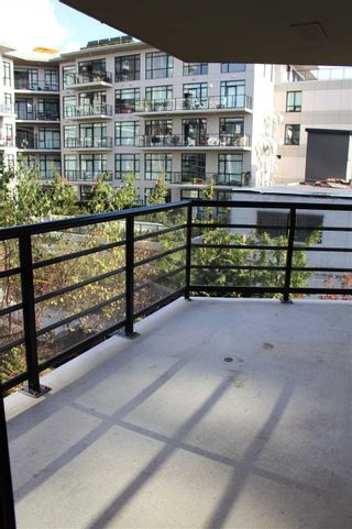 "Photo 10: 501 124 W 1ST Street in North Vancouver: Lower Lonsdale Condo for sale in ""THE Q"" : MLS®# R2115647"