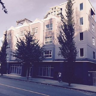 """Photo 1: 303 624 AGNES Street in New Westminster: Downtown NW Condo for sale in """"MCKENZIE STEPS"""" : MLS®# R2043792"""