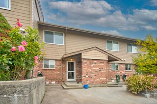 """Photo 1: 47 10780 GUILDFORD Drive in Surrey: Guildford Townhouse for sale in """"GUILDFORD CLOSE"""" (North Surrey)  : MLS®# R2614671"""