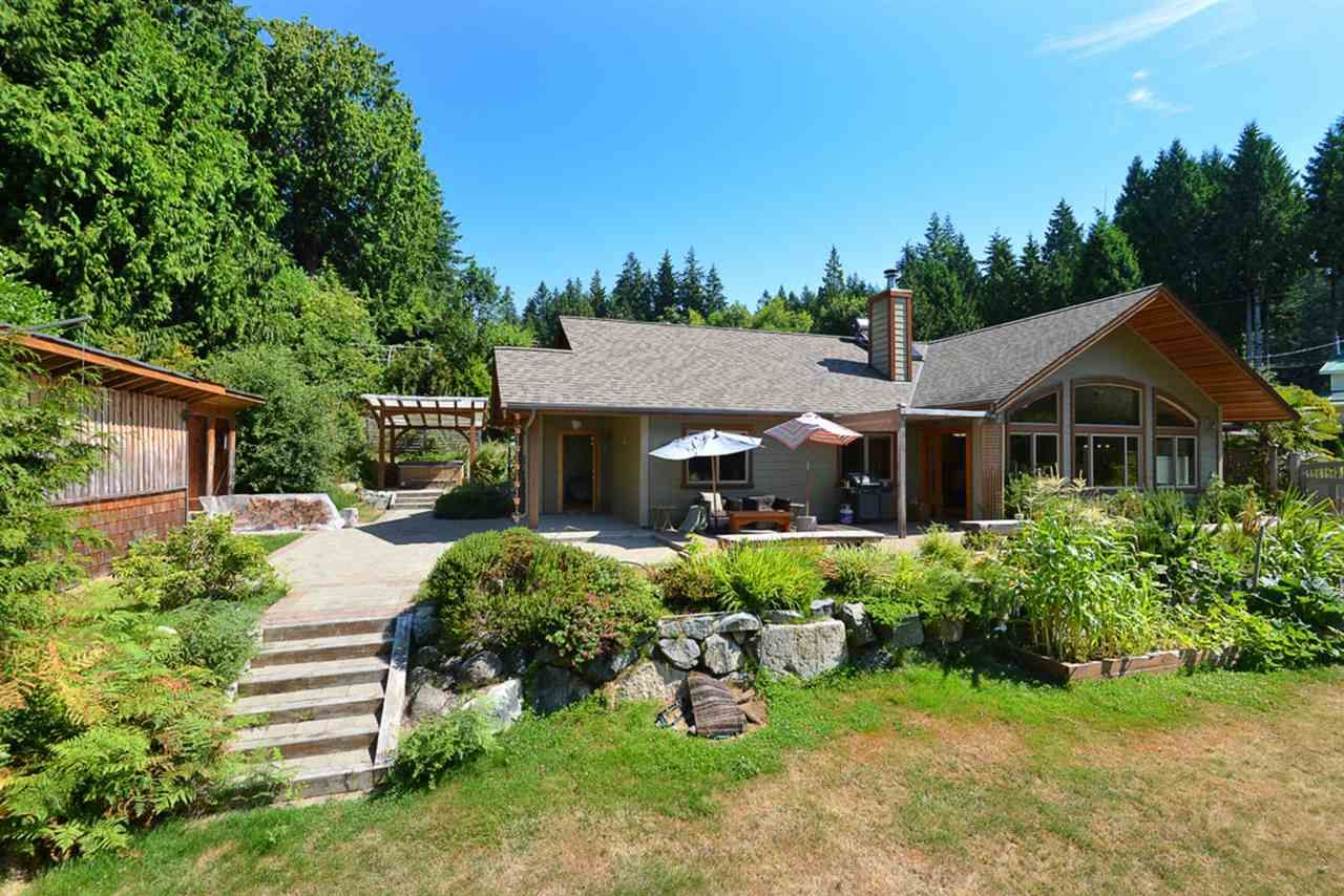 Photo 4: Photos: 505 MAPLE Street in Gibsons: Gibsons & Area House for sale (Sunshine Coast)  : MLS®# R2293109