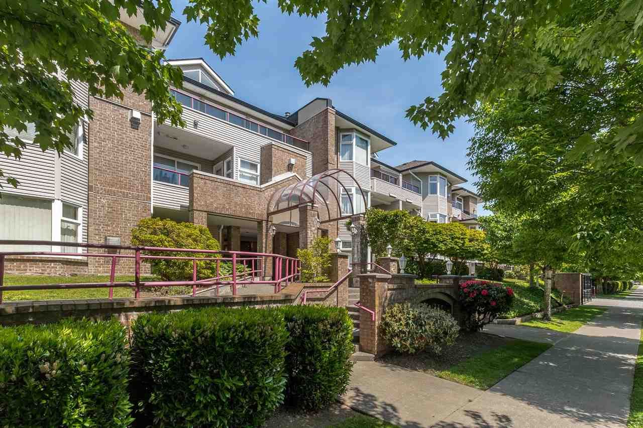 """Main Photo: 114 1999 SUFFOLK Avenue in Port Coquitlam: Glenwood PQ Condo for sale in """"KEY WEST"""" : MLS®# R2582757"""