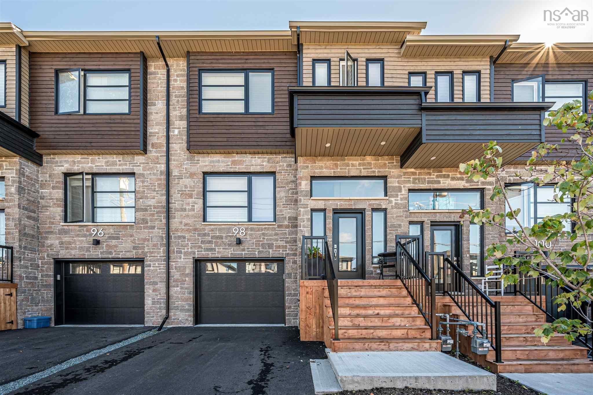 Main Photo: 98 Tilbury Avenue in West Bedford: 20-Bedford Residential for sale (Halifax-Dartmouth)  : MLS®# 202124739