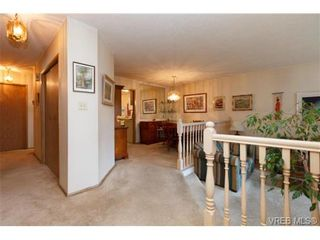 Photo 3: 596 Phelps Ave in VICTORIA: La Thetis Heights Half Duplex for sale (Langford)  : MLS®# 731694