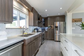 "Photo 5: 3182 RAE Street in Port Coquitlam: Riverwood House for sale in ""BROOKSIDE MEADOWS"" : MLS®# R2408399"