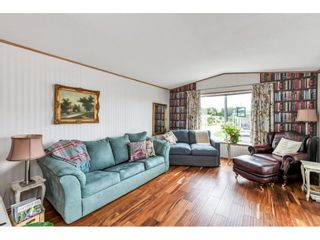 """Photo 5: 38 15875 20 Avenue in Surrey: King George Corridor Manufactured Home for sale in """"Sea Ridge Bays"""" (South Surrey White Rock)  : MLS®# R2616813"""
