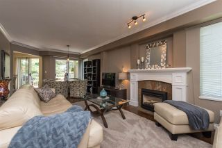 """Photo 2: 516 13900 HYLAND Road in Surrey: East Newton Townhouse for sale in """"HYLAND GROVE"""" : MLS®# R2294948"""