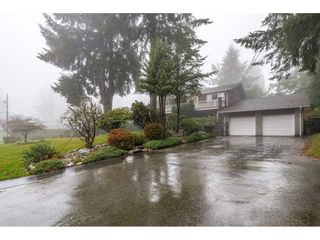 Photo 2: 13719 56A Avenue in Surrey: Panorama Ridge House for sale : MLS®# R2522442