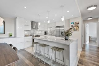 """Photo 9: 510 1490 PENNYFARTHING Drive in Vancouver: False Creek Condo for sale in """"Harbour Cove"""" (Vancouver West)  : MLS®# R2618903"""
