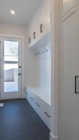 Photo 11: 3129 44 Street SW in Calgary: Glenbrook Semi Detached for sale : MLS®# A1054786