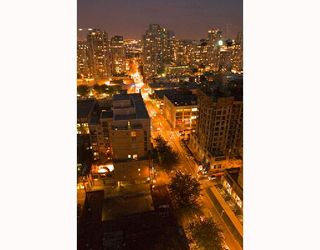"""Photo 4: 2107 989 RICHARDS Street in Vancouver: Downtown VW Condo for sale in """"MONDRIAN"""" (Vancouver West)  : MLS®# V713987"""