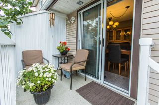 """Photo 5: 28 2352 PITT RIVER Road in Port Coquitlam: Mary Hill Townhouse for sale in """"SHAUGHNESSY ESTATES"""" : MLS®# R2098696"""