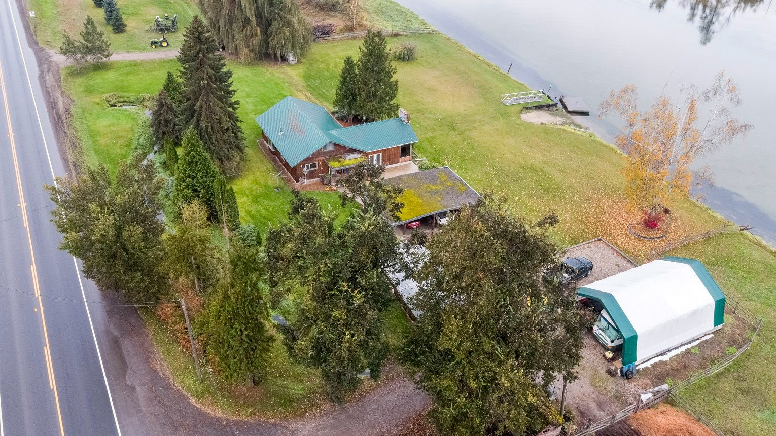 Main Photo: 7018 Highway 97A: Grindrod House for sale (Shuswap)  : MLS®# 10218971
