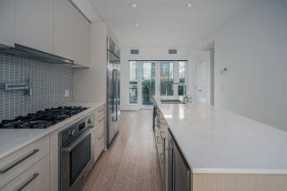 """Photo 14: 1 593 W KING EDWARD Avenue in Vancouver: Cambie Townhouse for sale in """"KING EDWARD GREEN"""" (Vancouver West)  : MLS®# R2539639"""