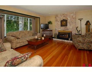 Photo 2: 14116 59A AV in Surrey: House for sale : MLS®# F2827321