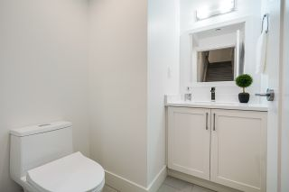 Photo 20: 2095 E 10TH Avenue in Vancouver: Grandview Woodland 1/2 Duplex for sale (Vancouver East)  : MLS®# R2500962
