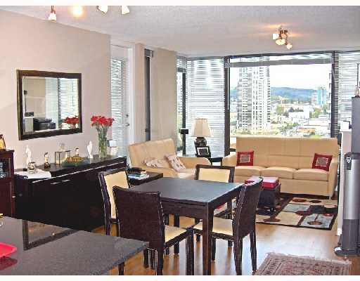 FEATURED LISTING: 1504 - 4118 DAWSON Street Burnaby