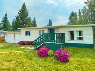 Photo 2: 4244 FORD Place in Williams Lake: Williams Lake - Rural North Manufactured Home for sale (Williams Lake (Zone 27))  : MLS®# R2603276