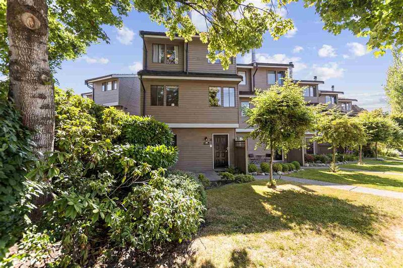 FEATURED LISTING: 18 - 251 14TH Street West North Vancouver